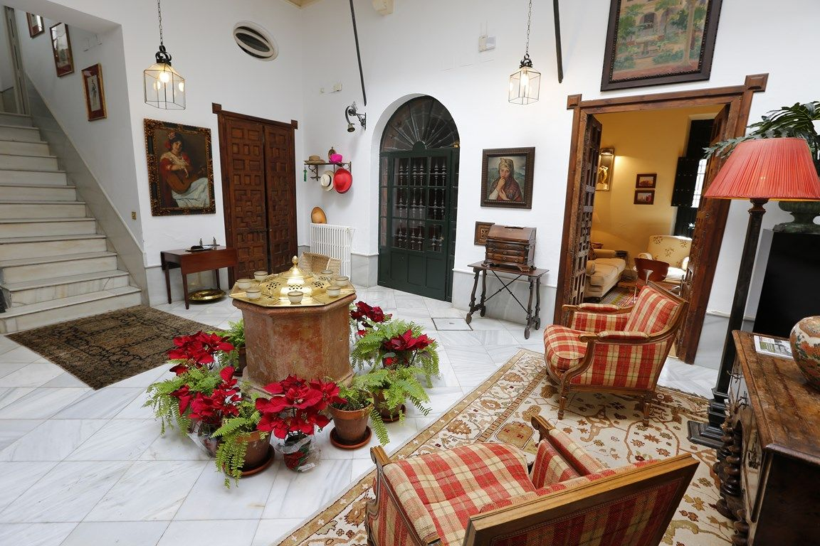 Luxury_property_Seville_Andalusia_Spain_Barrio_de_Santa_Cruz_Villa