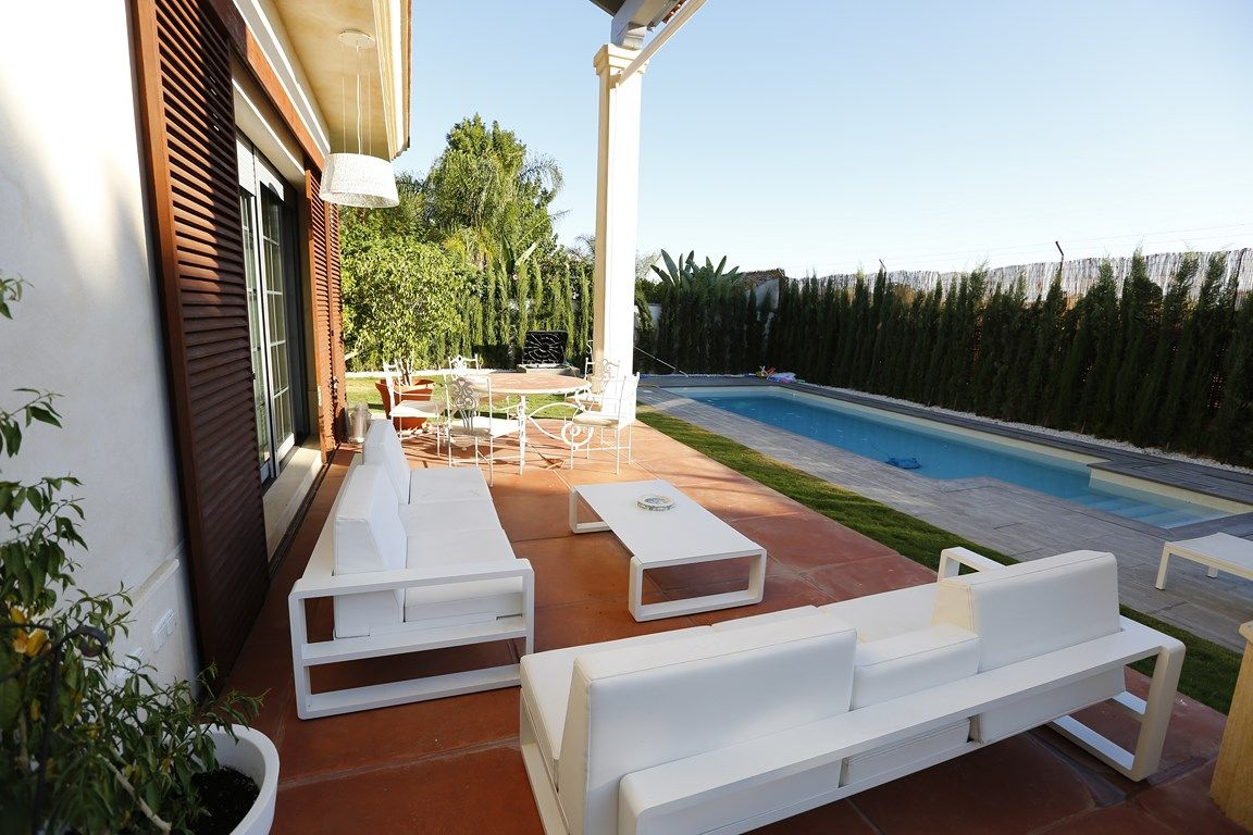 Contemporary_premium_luxury_villa_Seville_Andalusia_Spain 1