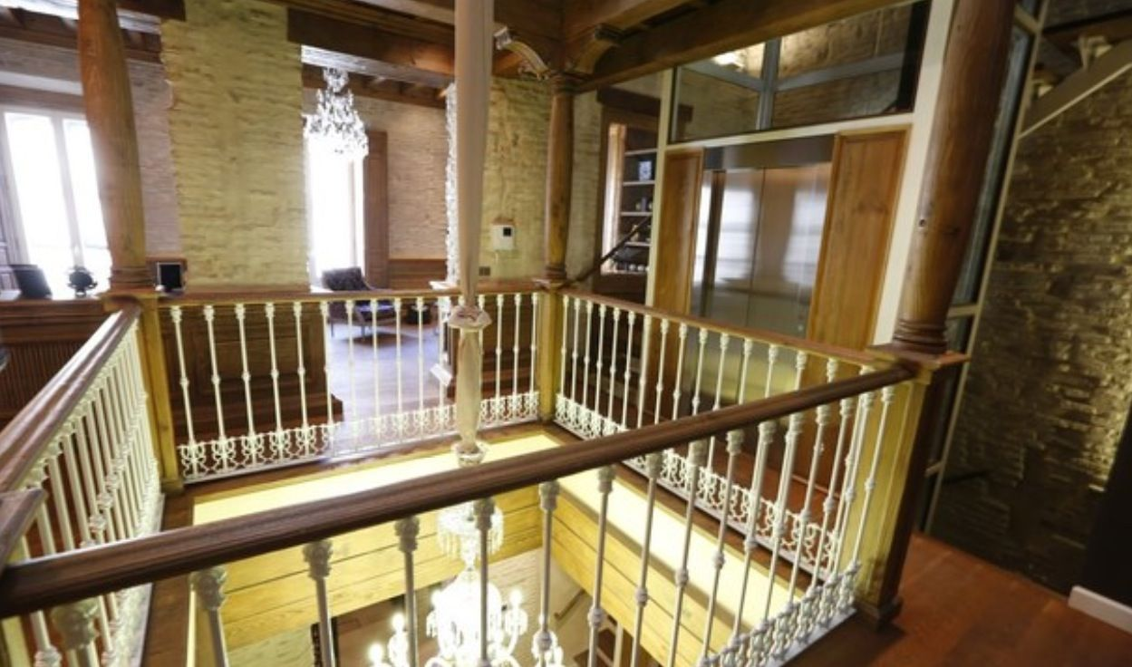 luxury apartment next to cathedral seville 12