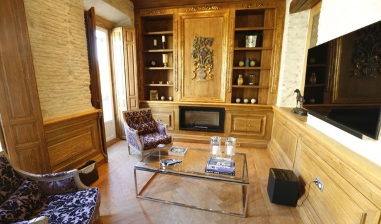luxury apartment next to cathedral seville 15