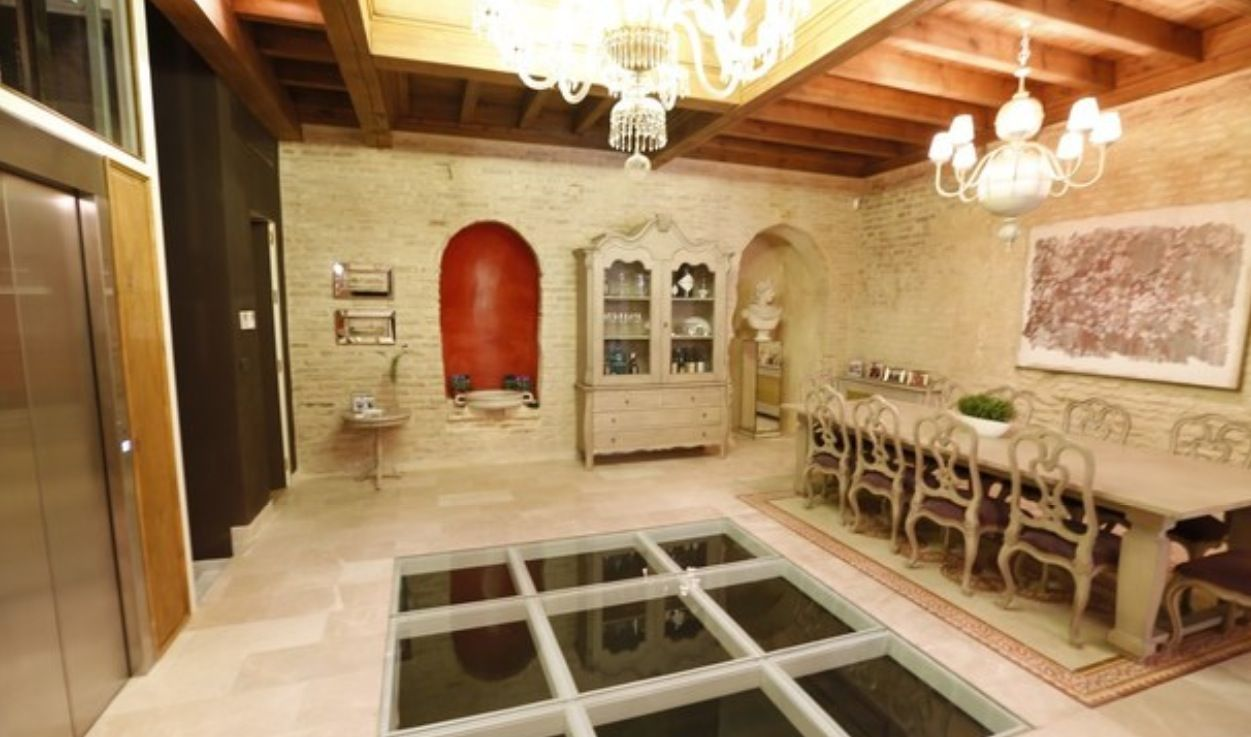 luxury apartment next to cathedral seville 2