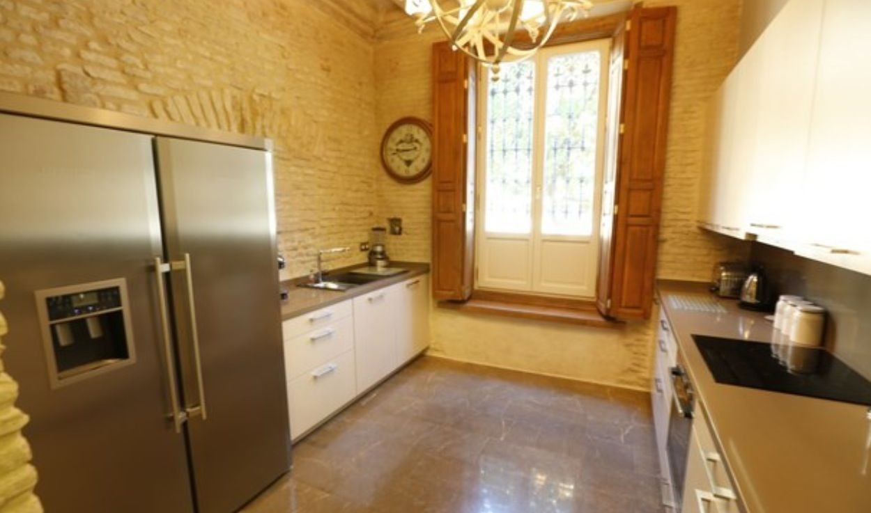 luxury apartment next to cathedral seville 3