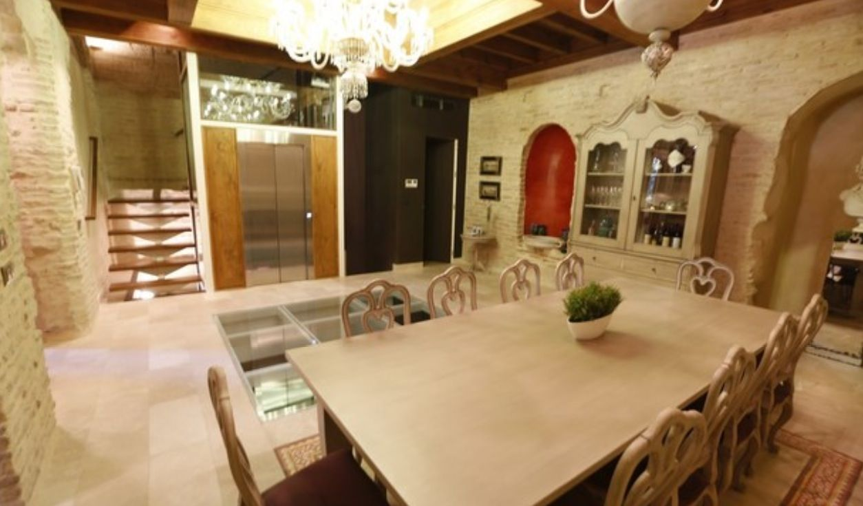 luxury apartment next to cathedral seville 4