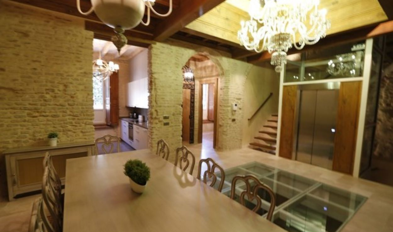 luxury apartment next to cathedral seville 7