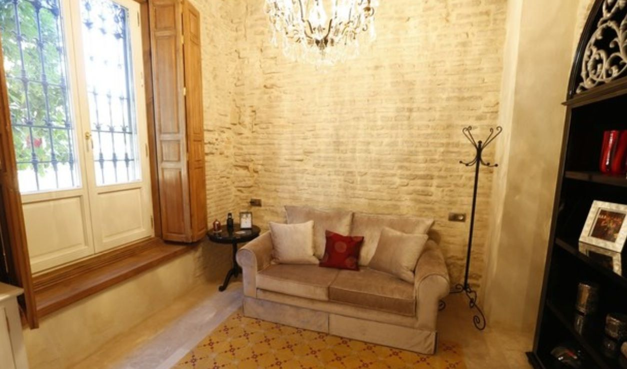 luxury apartment next to cathedral seville 8