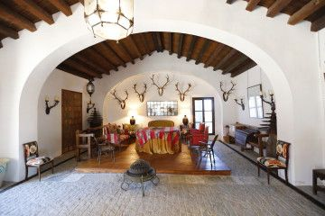 490 has. farm with great house 25' drive from Seville